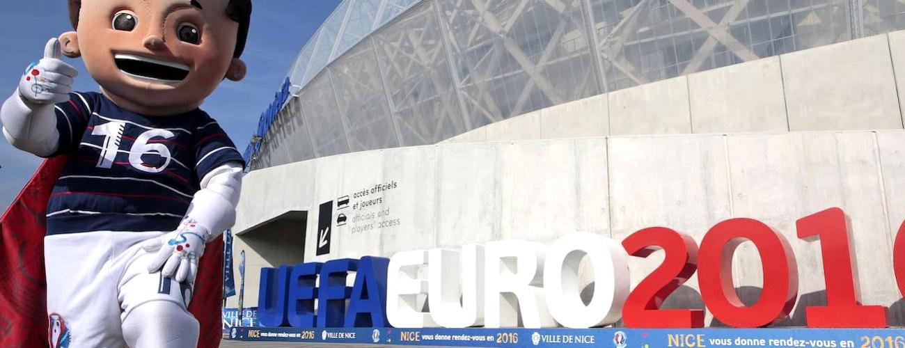 EUROPOS FUTBOLO ČEMPIONATAS JAU ČIA!